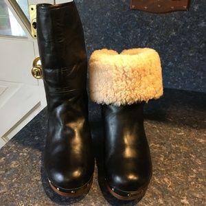 UGG Black LYNNEA Leather Heeled Boot Size 8